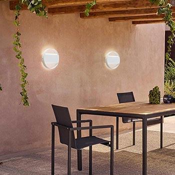 Illuminare gli esterni di casa con le applique