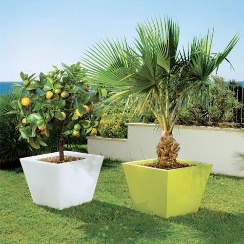 Illuminare il giardino di casa con vasi luminosi Dkl Baco